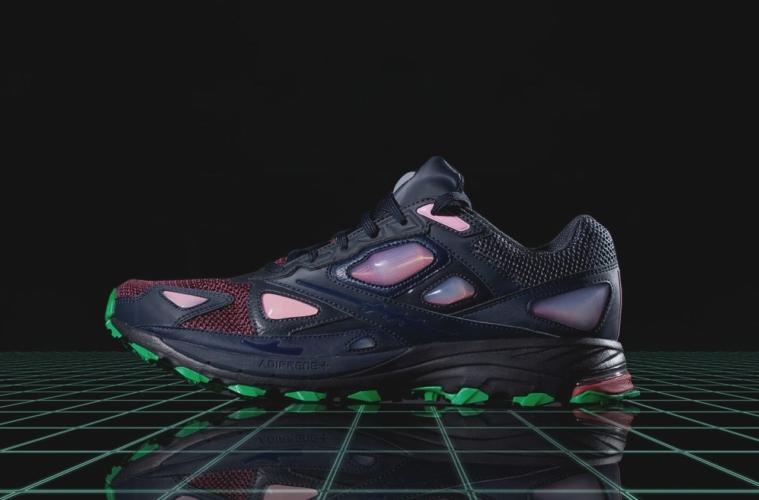 13 Кроссовки adidas x Raf Simons Responce 1