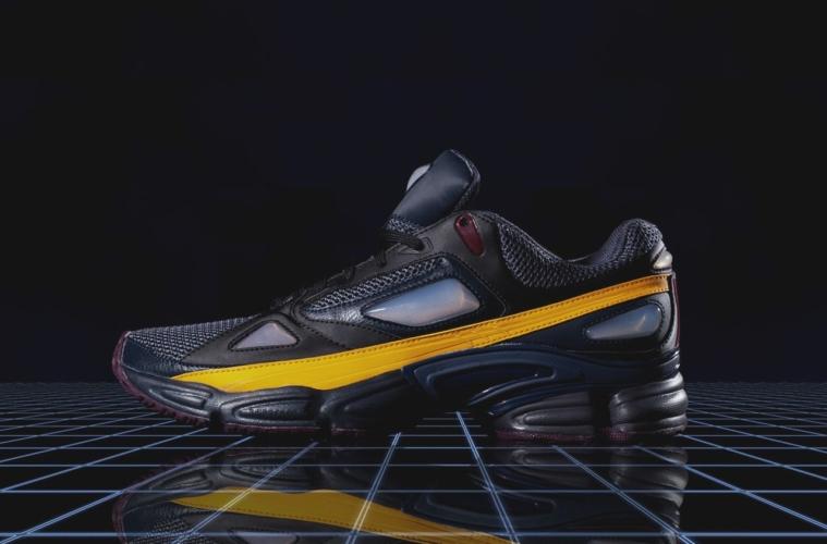 21 Кроссовки adidas x Raf Simons Ozweego 1
