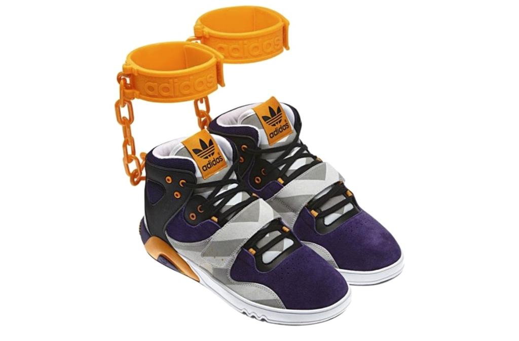 Самые скандальные кроссовки – Jeremy Scott x adidas Shackle