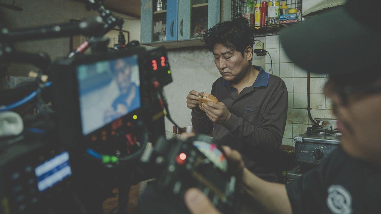 Пон Чжун Хо о фильме Паразиты 08 MCMAG