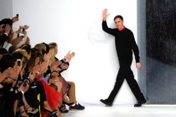 Раф Симонс может перейти в дочерний бренд Prada Group Miu Miu