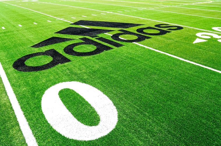 adidas и Parley for the Oceans создали устойчивое футбольное поле