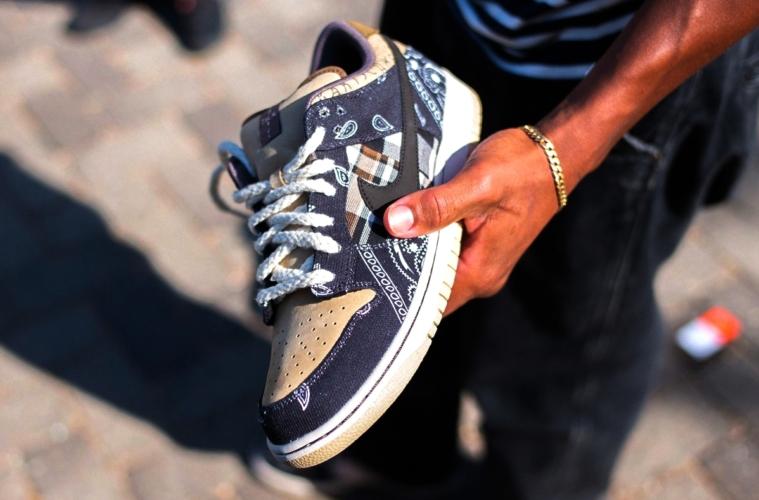 Travis Scott x Nike SB Dunk Low «Cactus Jack» - где купить
