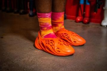 Подробности релиза adidas Yeezy Foam Runner