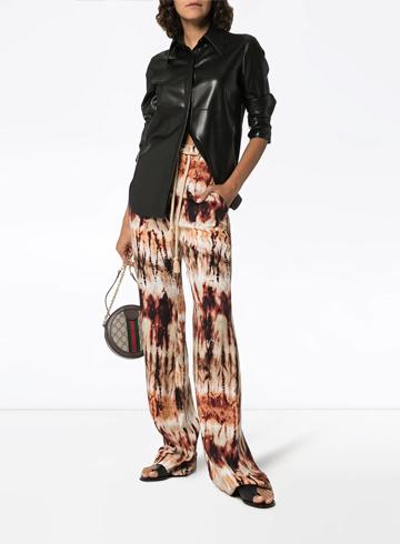 Тренды Осень-Зима 2020 кожаная рубашка Nanushka