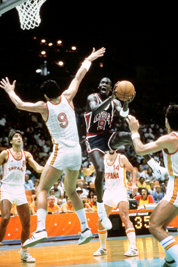 Майкл Джордан в Converse на Олимпийских играх-1984
