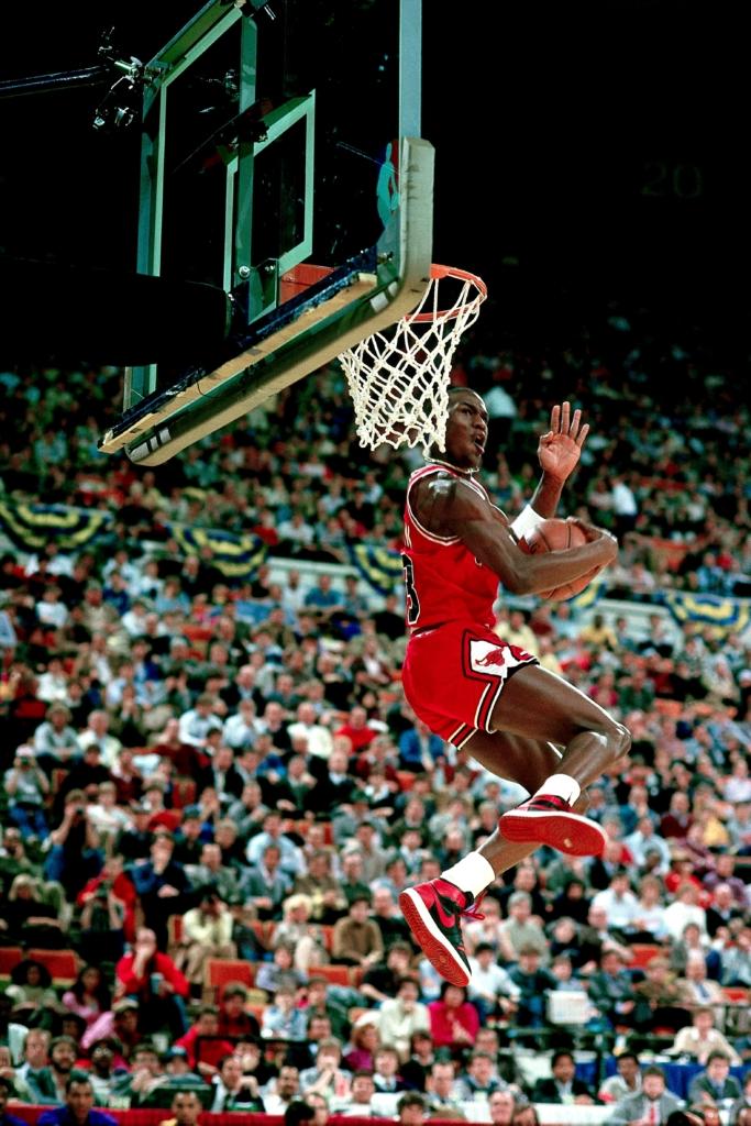 Майкл Джордан в Nike Air Jordan 1 — история кроссовок