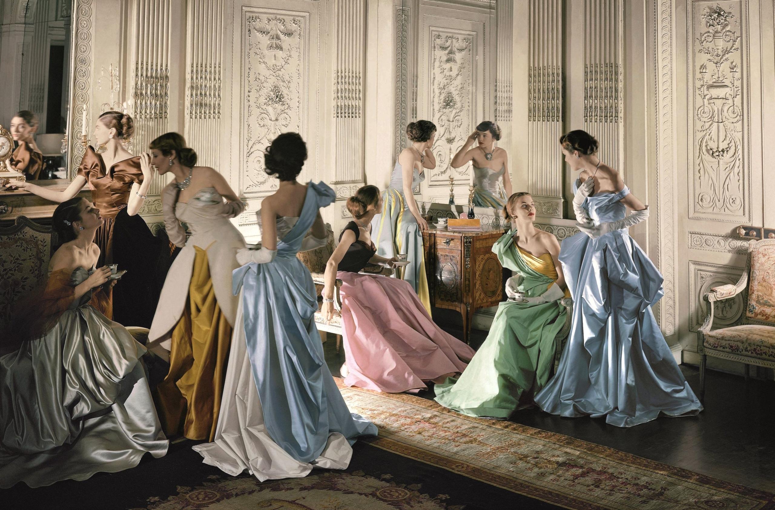 Модели в платьях Чарльза Джеймса для Vogue