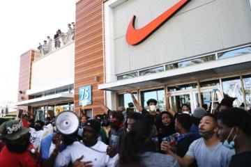 Поддерживают ли бренды протесты в США своими действиями