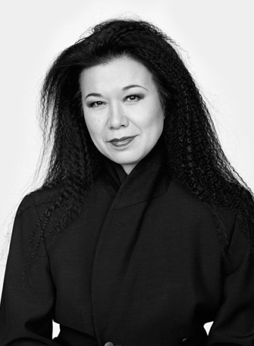 Эйко Исиока – биография дизайнера по костюмам фильмов «Клетка» и «Дракула»