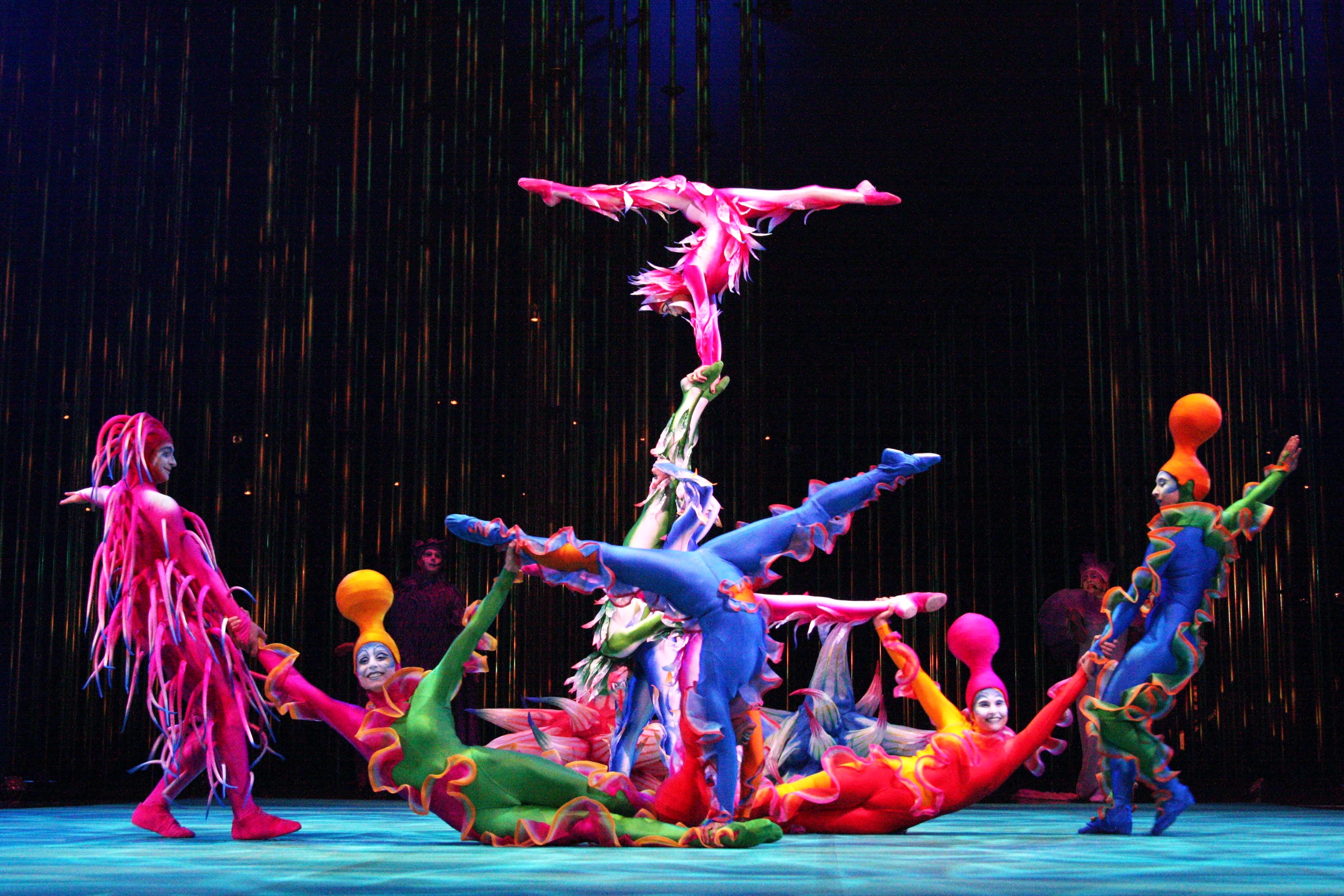 Эйко Исиока разработала костюмы для шоу Цирка дю Солей Varekai