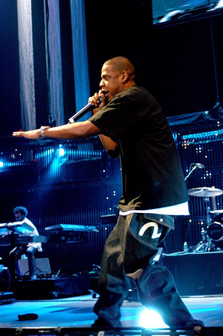 Jay-Z в джинсах EVISU — история джинсового бренда EVISU