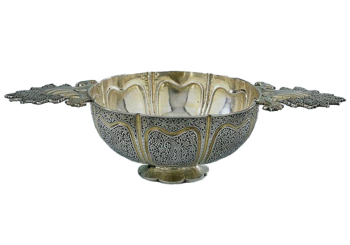 Чаша с узором пейсли по центру, первая половина 18 века