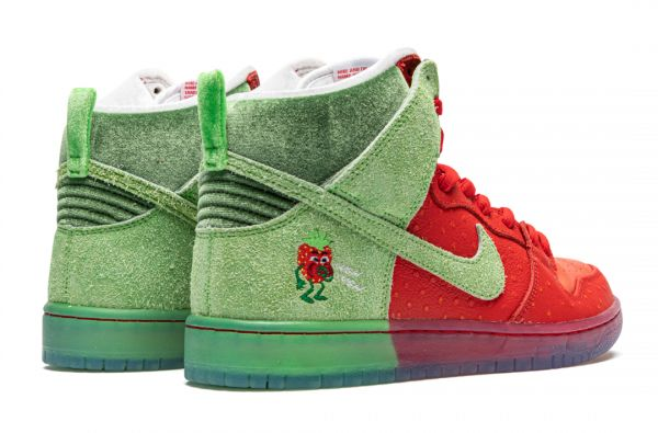 Nike SB Dunk High Pro QS «Strawberry Cough»