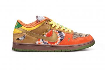 Sotheby's проводит аукцион редких кроссовок Nike