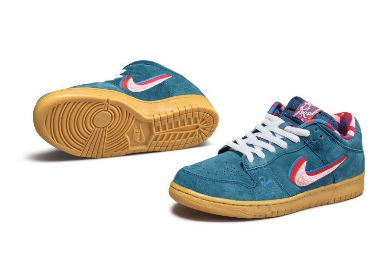Pieter Janssen x Nike SB Dunk Low «Friends & Family» на Sotheby's