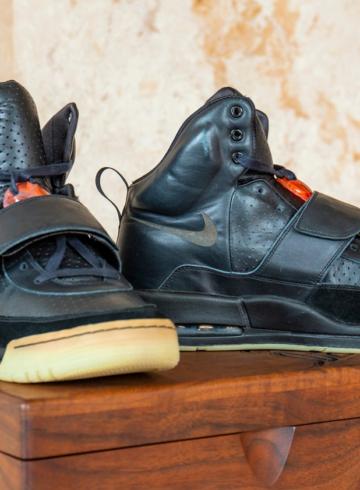 Nike Air Yeezy 1 Канье Уэста продали на аукционе за $1,8 миллиона