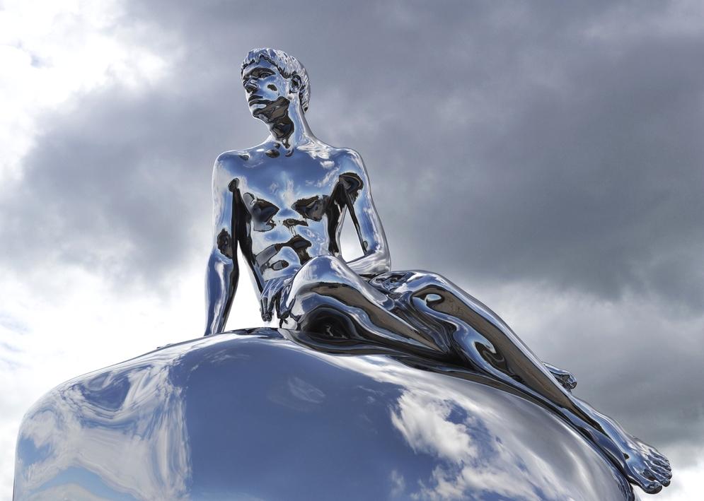 Статуя Elmgreen & Dragset «Han»