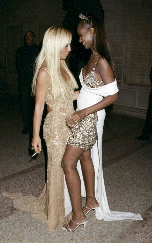 Met Gala 1997: «Gianni Versace» Донателла Версаче и Иман
