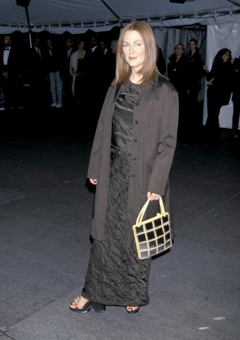 Met Gala 1998: «Cubism and Fashion» Джулианна Мур