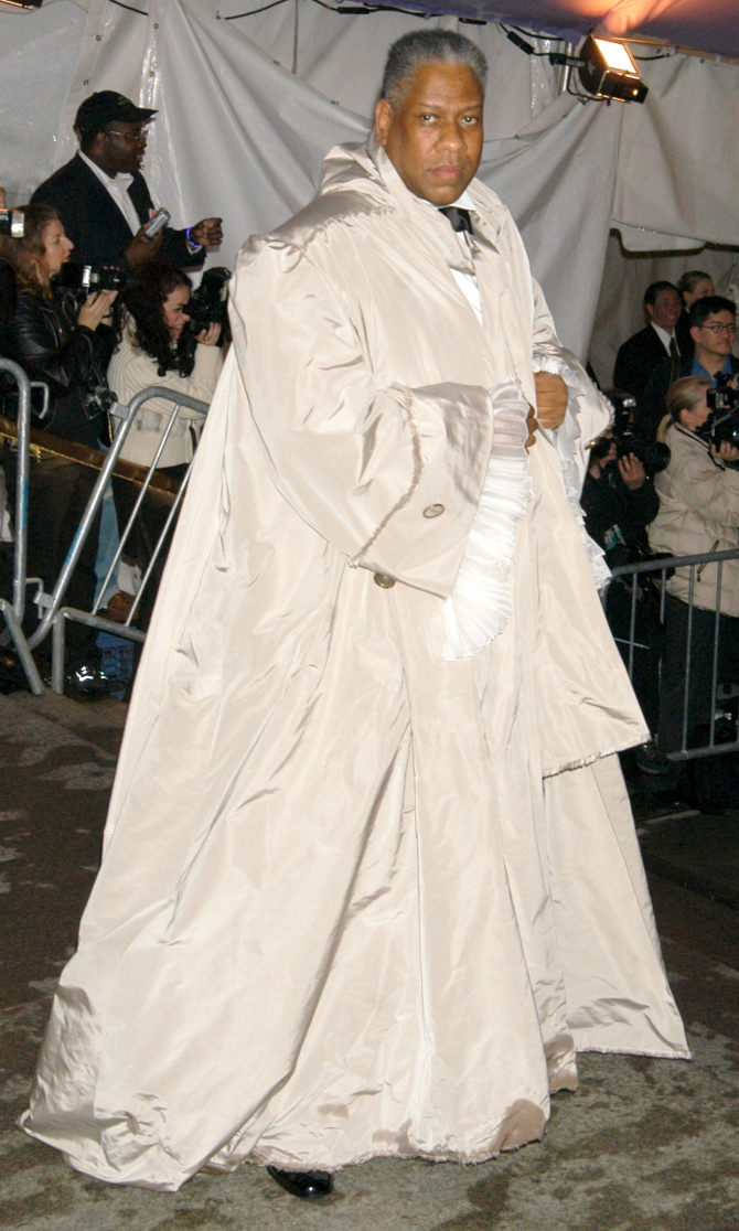 Met Gala 2004: «Dangerous Liaisons: Fashion and Furniture in the 18th Century» Андре Леон Телли